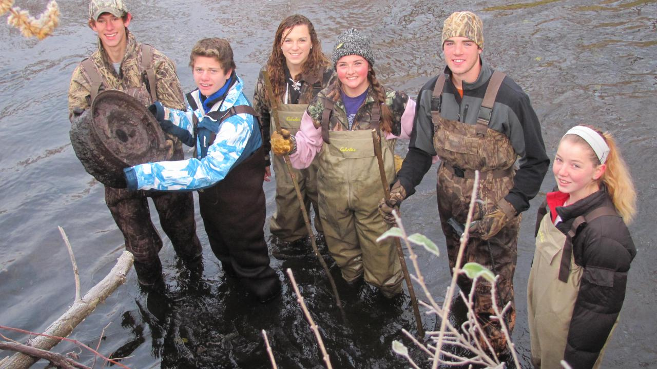 What's this? Hastings High School students discover some interesting trash, and learned about macroinvertebrates (stream dwelling bugs) and water quality in the Vermilliion River in the process.