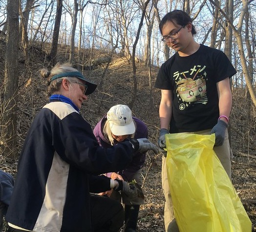 Furth helping others to identify garlic mustard