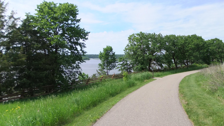 Spring Lake Park trail
