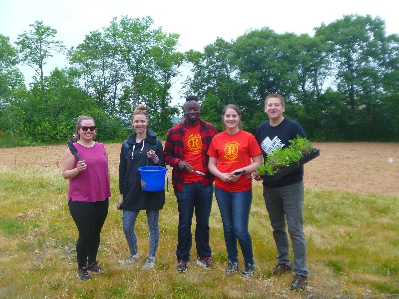 Planting volunteers at Cherokee Park