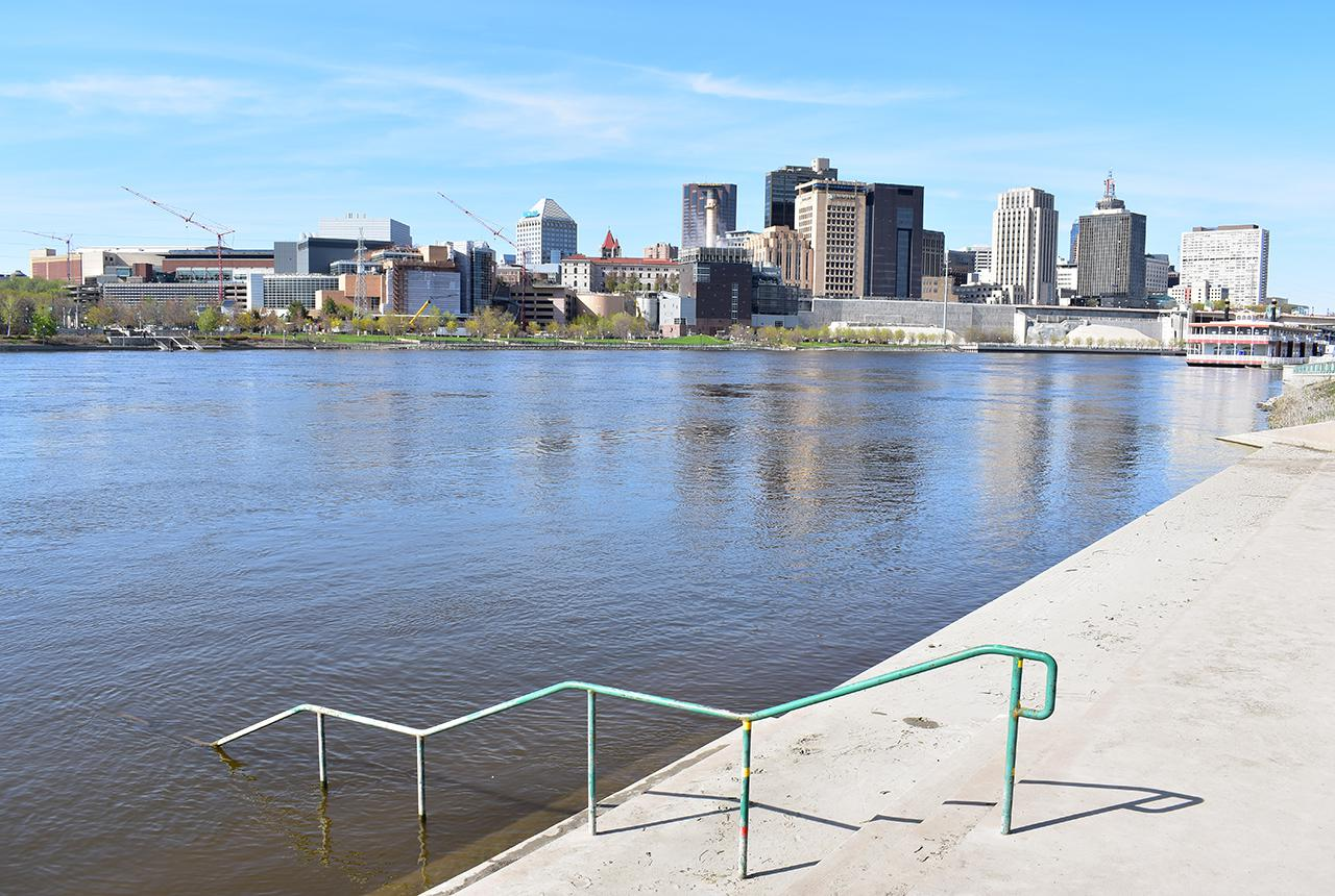 Flooded river at Harriet Island